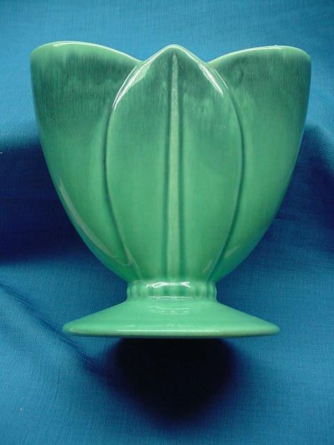 7 Inch Royal Haeger Tulip Triple Leaf Vase Billy Blue Eye Pottery